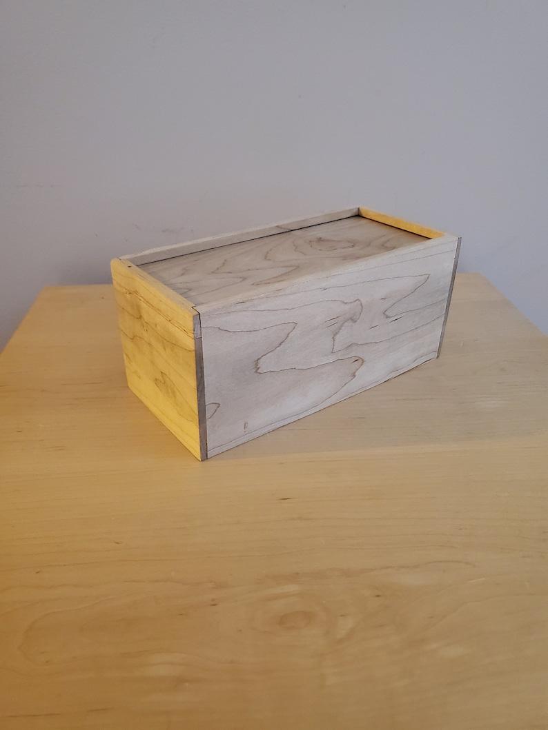 Maple sliding box
