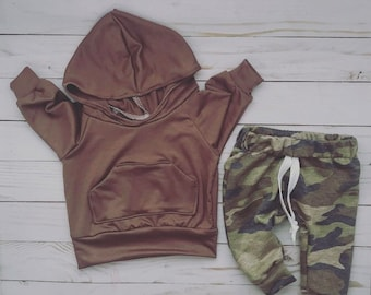 Camo baby outfit, gender neutral baby outfit, camo pants, brown baby hoodie, baby clothing, baby boy clothes, baby girl clothes, newborn