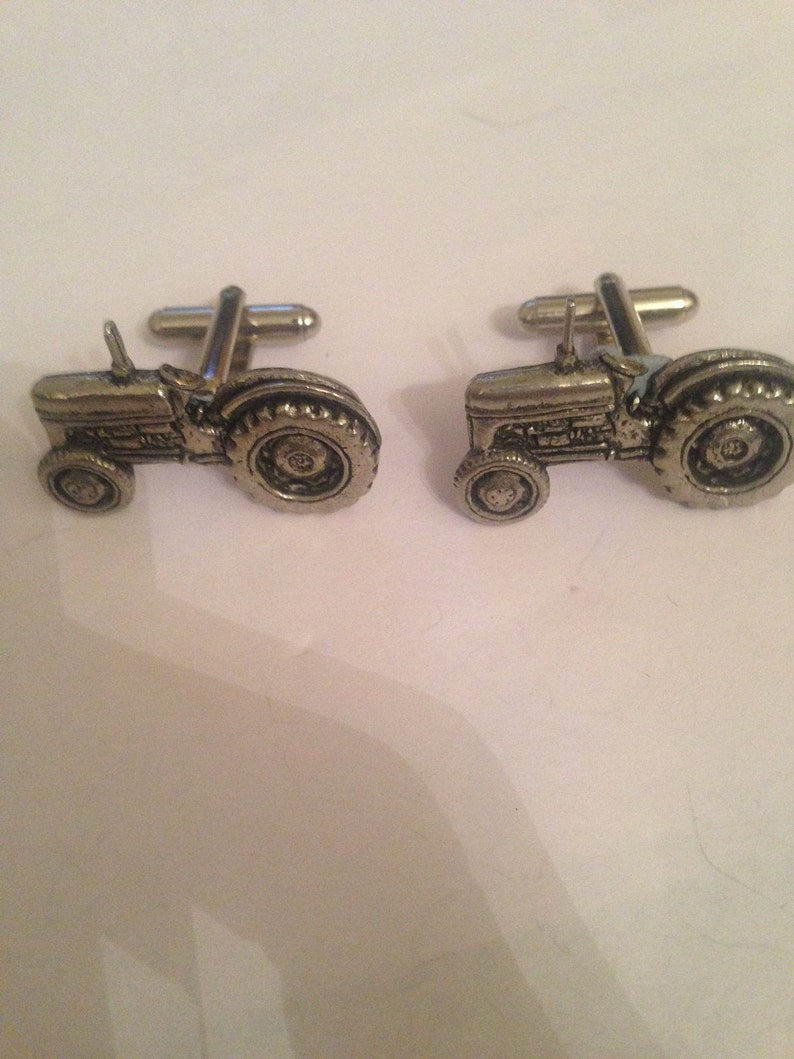 Tractor PP-T10 Fine English Pewter Cufflinks,Tie slide 3inch kilt pin,bookmark,black cord,Split keyring,Platinum