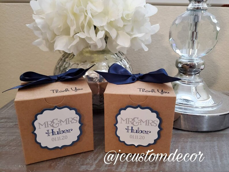 Wedding Personalized Favor Boxes-Mr and Mrs Wedding Favor Boxes-Wedding Favor Boxes-In your colors-Wedding Favors-Wedding Treat Favor Boxes