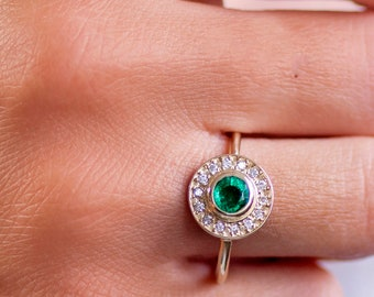 Emerald Ring, Emerald Engagement Ring, Gold Engagement Ring, Halo Engagement Ring, Emerald Halo Ring, Diamond Ring, Halo Diamond Ring GR0395