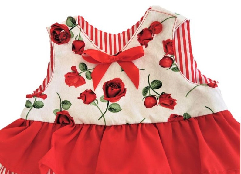Red Green and White Frilled girl set 0-3 months Ready to ship Christmas baby Set Baby girl Set Baby girl clothes
