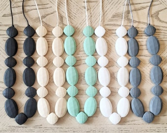 Silicone Beads Teething Necklace / Nursing Necklace Jewelry - Toy - for Mom and Baby Shower Gift