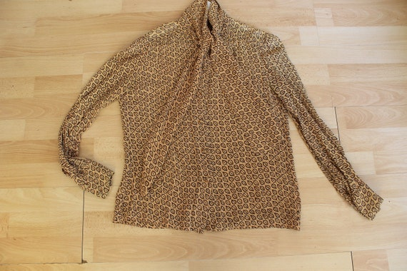 1970s Crepe Mustard Yellow Bow Blouse - image 6