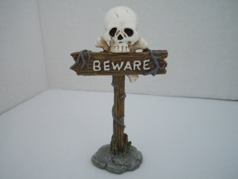 Dollhouse Halloween Party Decoration Skulls Garland for Miniature Haunted House