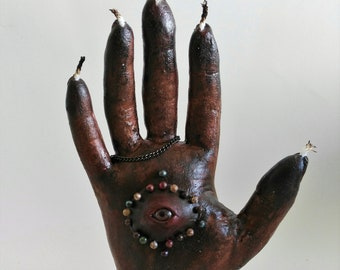 Hand of Glory-curiosity-oddities-witchcraft-macabre-decoration-history-witch-magic-freak-terror-creepy-death-hand-ritual