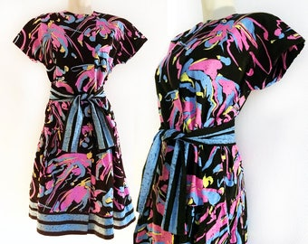 Marimekko vintage dress in black, pink, blue and yellow, the perfect 80's dress, shoulder pads, crazy print, size S (Small)