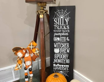 Halloween sign, trick or treat, wood sign, reclaimed wood sign, ghosts, witch, pumpkins, ghosts, farmhouse sign, farmhouse decor