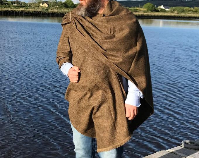 Irish Donegal tweed ruana, cape, wrap, arisaid - brown / bronze herringbone - 100% Pure New Wool - unisex - HANDMADE IN IRELAND