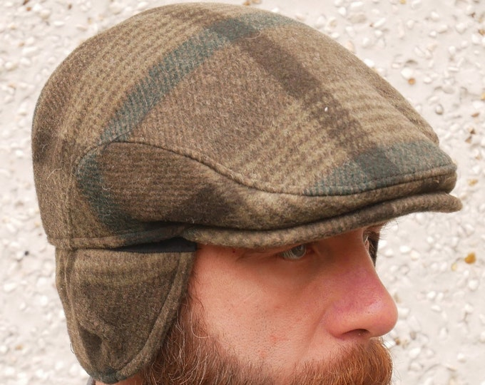 Traditional Irish tweed flat cap -green tartan/plaid check -with foldable/optional ear flaps -100% wool -padded -HANDMADE IN IRELAND