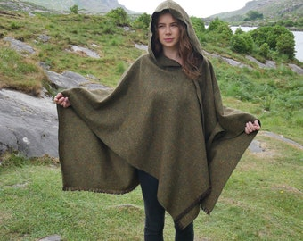 Irish tweed wool hooded ruana, wrap, arisaid  - speckled forest green -  HANDMADE IN IRELAND