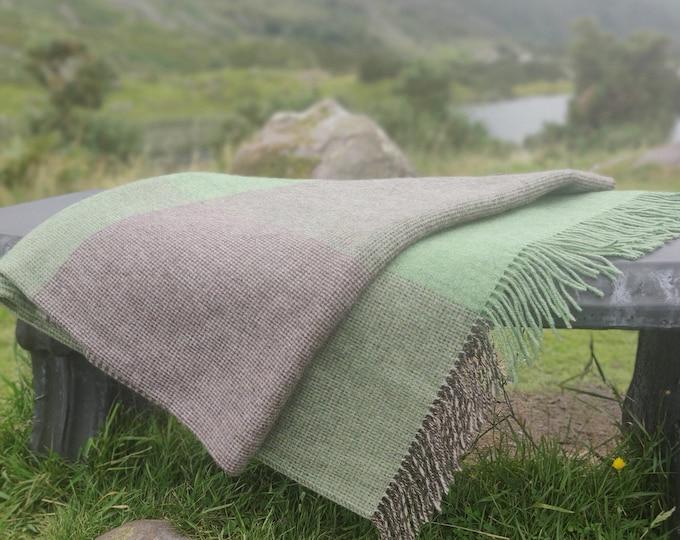 Merino Supersoft Lambswool Blanket / Throw Green & Grey Glencheck - 150 x 200cm (60x78'') - 100% Pure New Merino Lambswool - MADE IN IRELAND