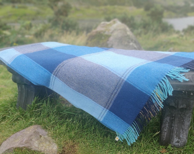 Supersoft Lambswool Blanket / Throw - Navy / Teal / Aqua Check - 137x180 cm (54x71'') - 100% Pure New Lambswool - MADE IN IRELAND