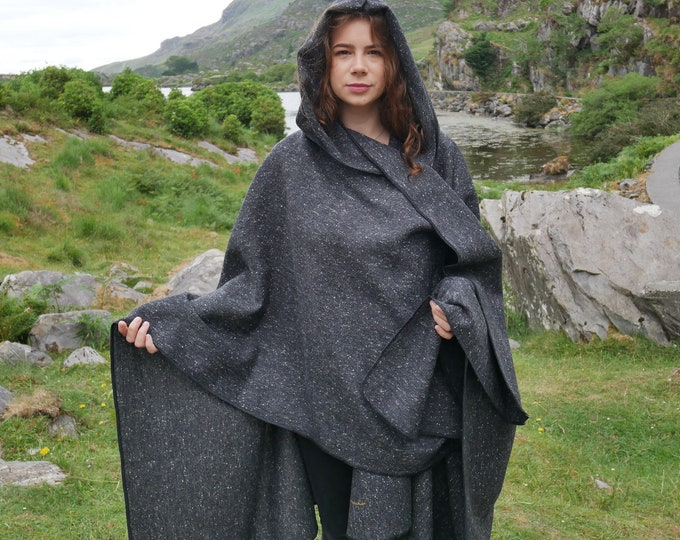 Irish tweed wool hooded ruana, wrap, arisaid - speckled charcoal / grey - HANDMADE IN IRELAND