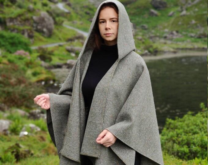 Irish tweed wool hooded ruana, wrap, arisaid - speckled /with fleck grey/green - HEAVY TWEED - Handmade in Ireland