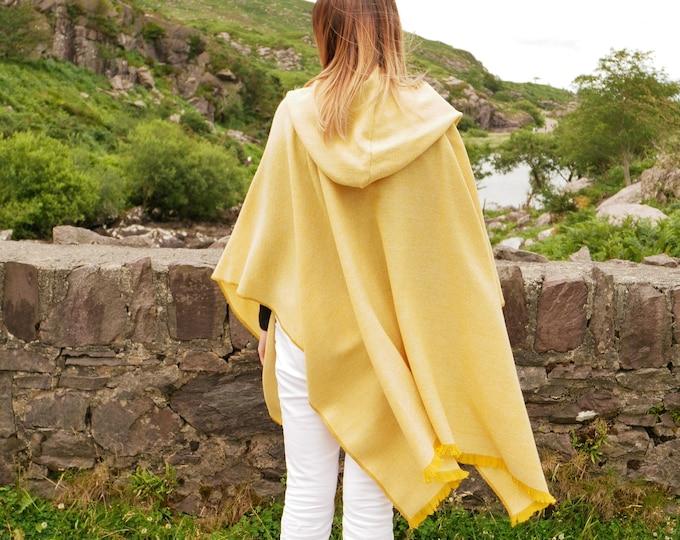 Irish tweed hooded wool ruana, wrap, arisaid - yellow & white chevron - lightweight fabric - HANDMADE IN IRELAND