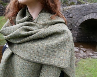 Irish tweed shawl, oversized scarf, stole - green plaid, tartan, check - 100% wool - hand fringed - ready for shipping - HANDMADE IN IRELAND