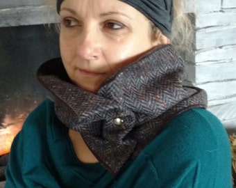 Irish tweed neck warmer-neck gaiter-snood- FREE WORLWIDE SHIPPING-100 % wool - navy herringbone - ready for shipping - Handmade in Ireland