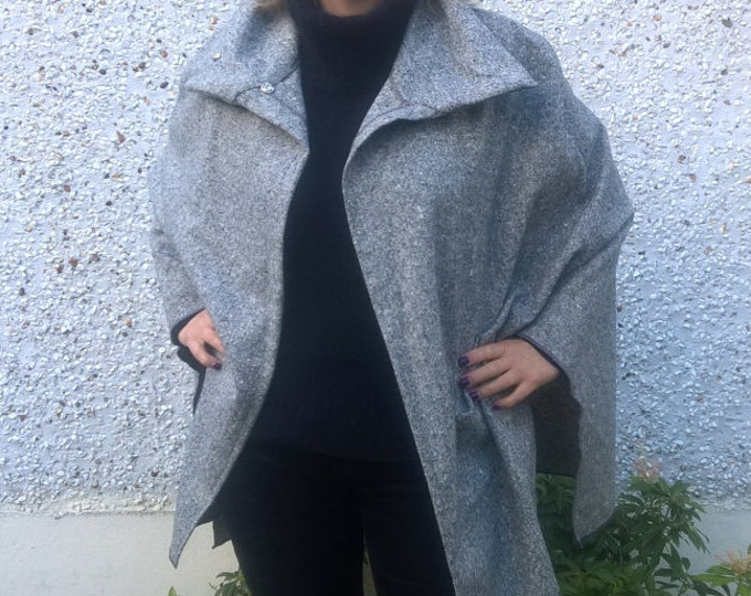FREE WORLDWIDE SHIPPING- gray Irish tweed cape , plaid, coat - 100% new wool - ready for shipping - Handmade in Ireland