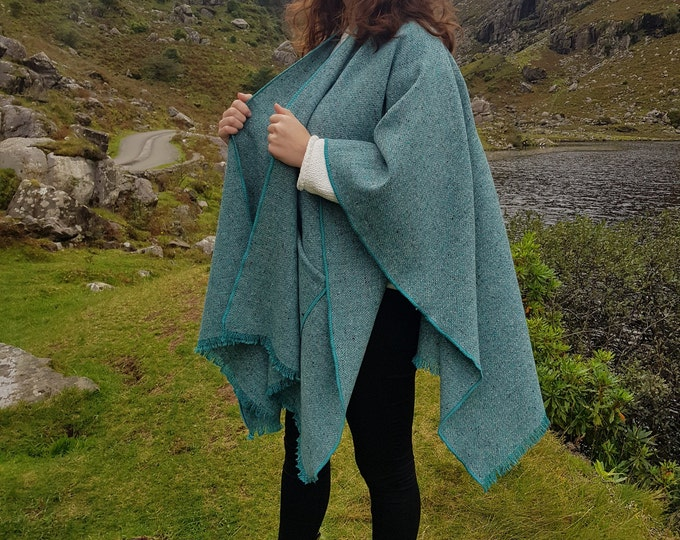Irish tweed wool ruana, wrap, arisaid - turquoise/grey - with  pockets  - HANDMADE IN IRELAND