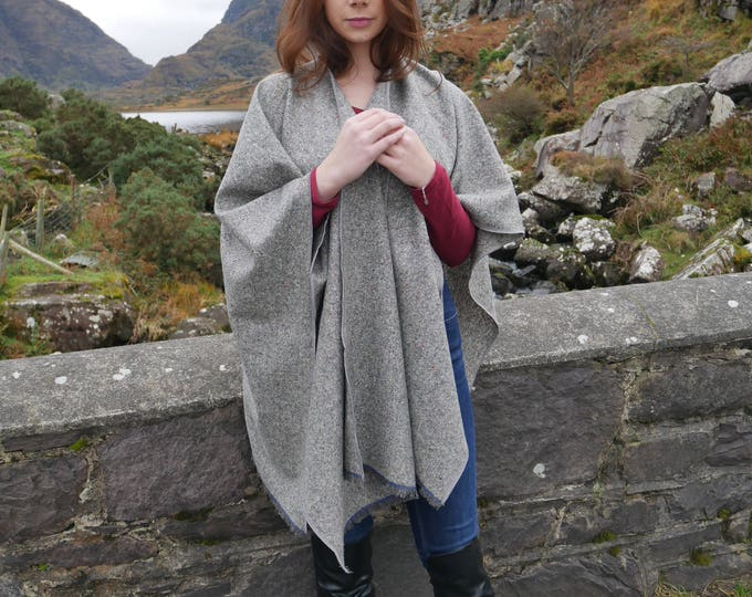 Irish tweed wool ruana, wrap, cape, coat,arisaid - speckled grey / melange - 100% wool - ready for shipping - HANDMADE IN IRELAND