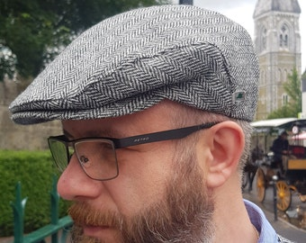 Traditional Irish tweed flat cap - Paddy cap - newsboy cap - black&white herringbone - 100% wool - padded - HANDMADE IN IRELAND