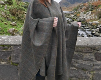 Irish Donegal tweed wool ruana, wrap, cape, arisaid - moss green/green herringbone with overcheck - 100% wool - HANDMADE IN IRELAND