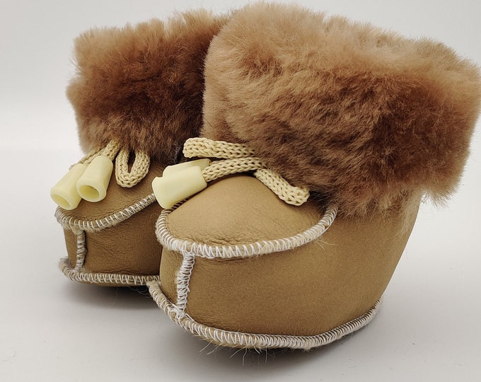 Baby booties - 100% sheepskin - super cute and adorable - unisex - HANDMADE IN IRELAND