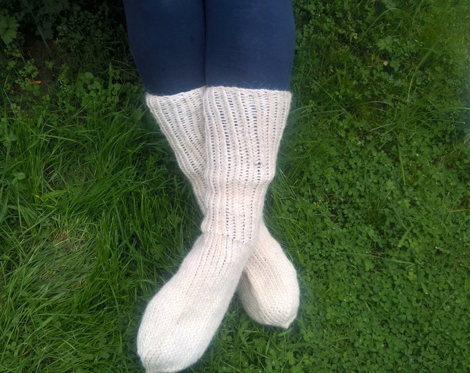 Hand knitted - White hiking socks - 100% raw organic wool - undyed - unprocessed - ready for shipping - HANDMADE IN IRELAND