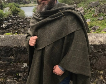 Irish Donegal tweed wool ruana, cape, wrap, arisaid - forest green with yellow overcheck - 100% wool -  HANDMADE IN IRELAND