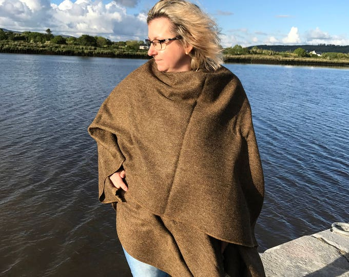 FREE WORLDWIDE SHIPPING-Irish tweed ruana, cape, wrap, arisaid - brown / bronze herringbone- 100% wool -woven wool - Handmade in Ireland