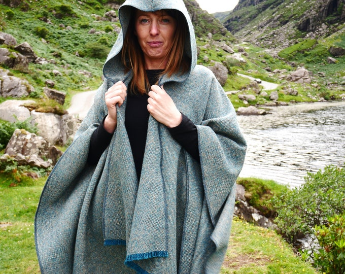 Irish tweed wool hooded ruana, wrap, arisaid - turquoise  & grey  - heavy tweed -  HANDMADE IN IRELAND