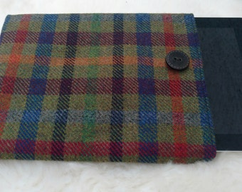 Irish tweed 9 inch + tablet cover - FREE WORLDWIDE SHIPPING - sleeve - 100 % wool - Handmade in Ireland - ready for shipping