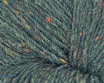 365yards/333m of Authentic Aran Knitting Wool - green fleck - 200g/7oz - 100% pure new wool - MADE IN IRELAND
