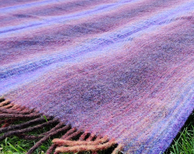"Traditional Irish blanket - 100% pure new wool - chunky & heavy - purple heather - 60""x 78"" (150 cm x 200cm) - MADE IN IRELAND"