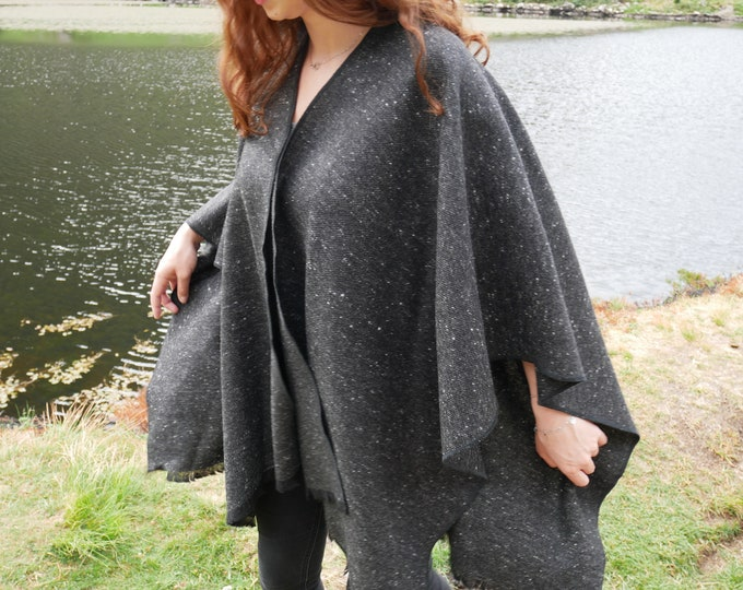 Irish tweed wool ruana, wrap ,arisaid - black/charcoal grey speckled  - 100% wool - ready for shipping - HANDMADE IN IRELAND