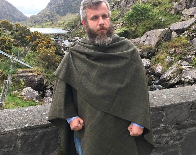 Irish tweed wool ruana, cape, wrap, arisaid - forest green with yellow overcheck - 100% wool -  HANDMADE IN IRELAND