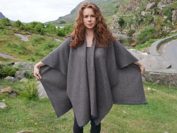 Ruana arisaid laine tweed irlandais, wrap, arisaid Ruana - chevrons marron/bleu/beige - 100 % laine - prêt pour l'expédition - livraison gratuite - HANDMADE IN Irlande 9dae39