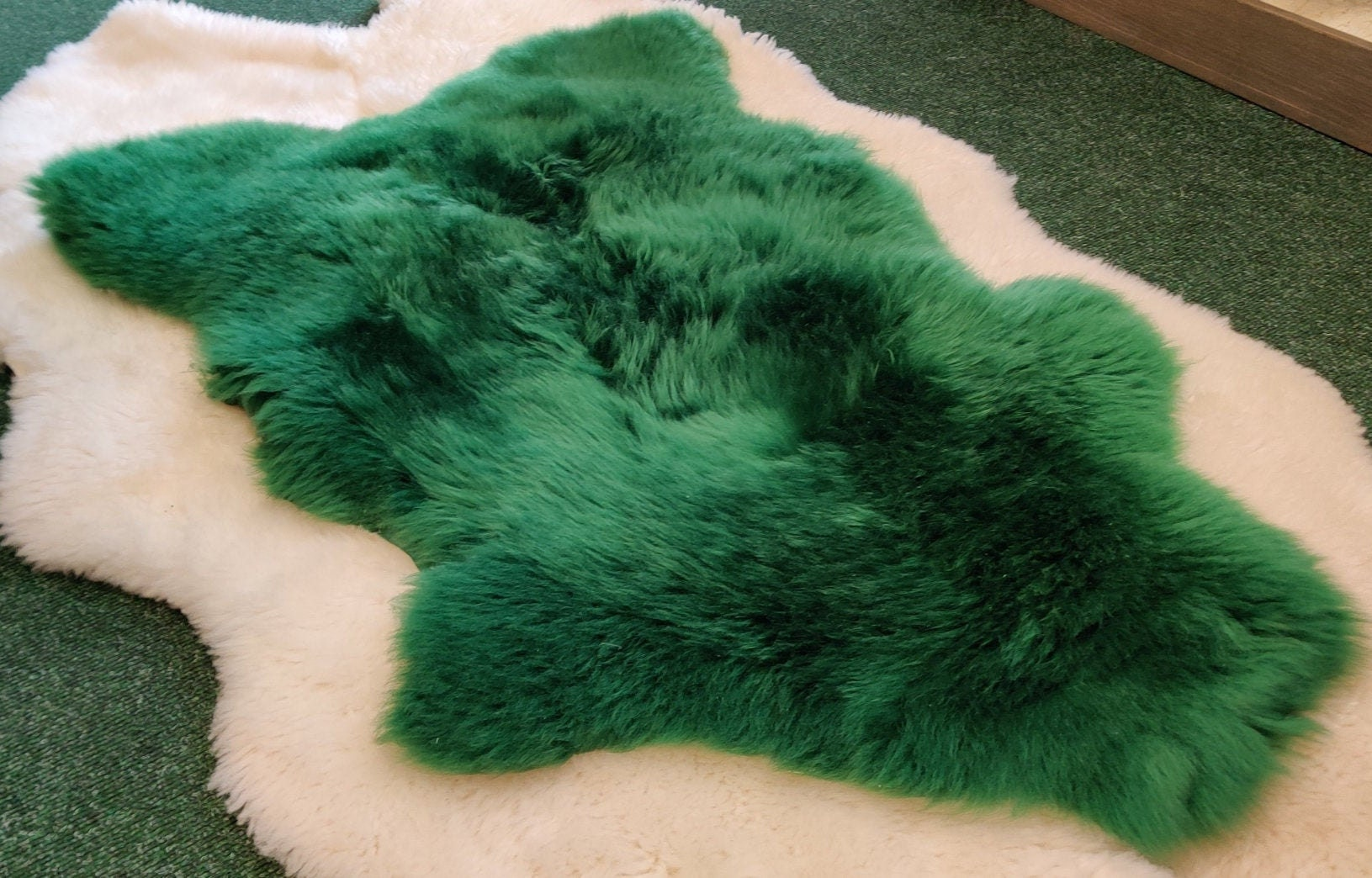 Picture of: Genuine Irish Sheepskin Rug Dyed Emerald Green Really Soft Thick Free Worldwide Shipping From Ireland