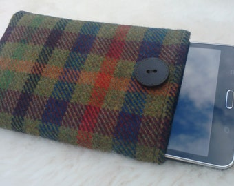 Irish tweed 7 inch tablet cover - FREE WORLDWIDE SHIPPING- sleeve - 100 % wool - Handmade in Ireland - ready for shipping