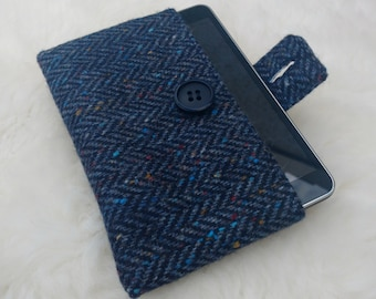 Irish tweed 7 inch tablet cover - FREE WORLDWIDE SHIPPING - sleeve - 100 % wool - Handmade in Ireland - ready for shipping
