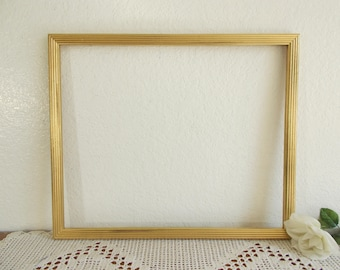 Vintage Gold Shabby Chic 14 x 17 Picture Frame Ornate Photo Decoration Hollywood Regency Paris Apartment Country Farmhouse Retro Home Decor