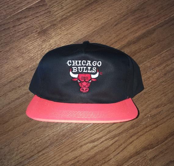 82a8ef55aea Vintage 90s Chicago Bulls Snapback Hat