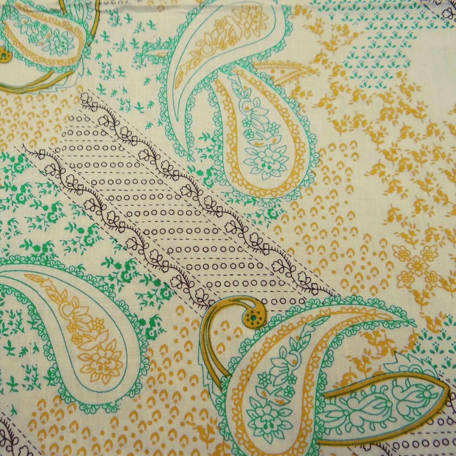 Indian Dress Fabric Paisley Print Home Decor Quilting