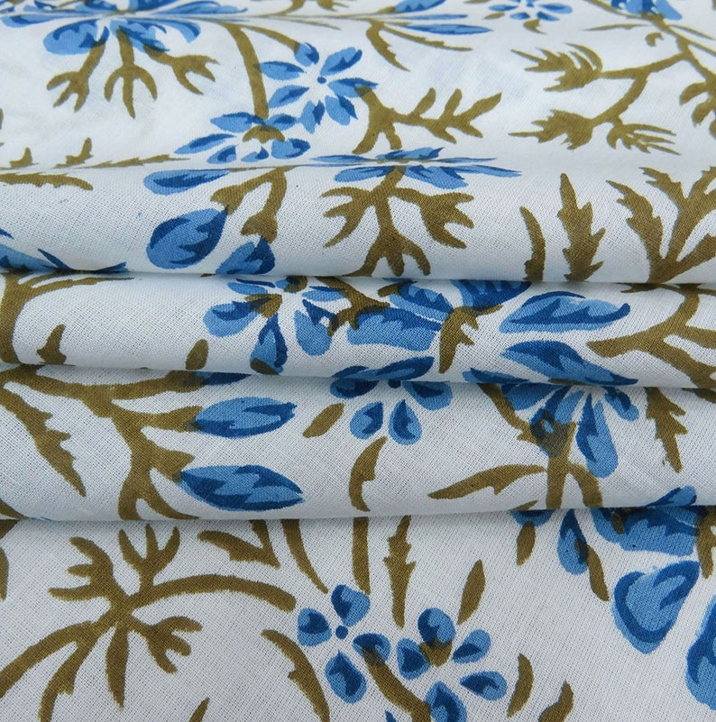 Clothing Fabric 44 Inch Cotton Fabric By The Yard ZBC8875B Antique Fabric White Fabric Floral Print Home Decoration