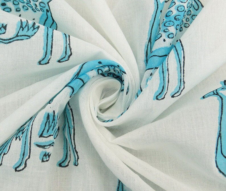 Decorative Fabric Cotton Deer Printed Sewing Fabric Dress Material White Fabric 45 Inch Quilting Fabric By The Yard ZBC8154C