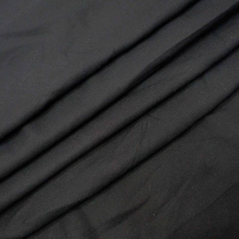 "Black Light Weight Rayon Fabric 42/"" Wide Dressmaking Craft Material By 1 Yd"