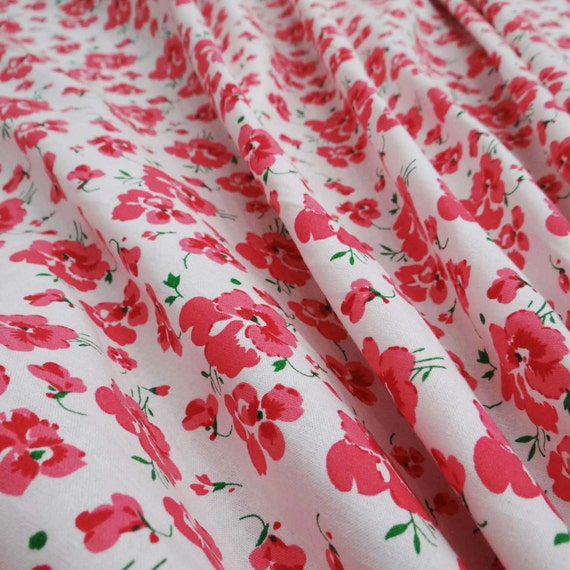 "White Cotton Leaf Printed Dressmaking Fabric Sewing Quilting 42"" Wide By Metre"