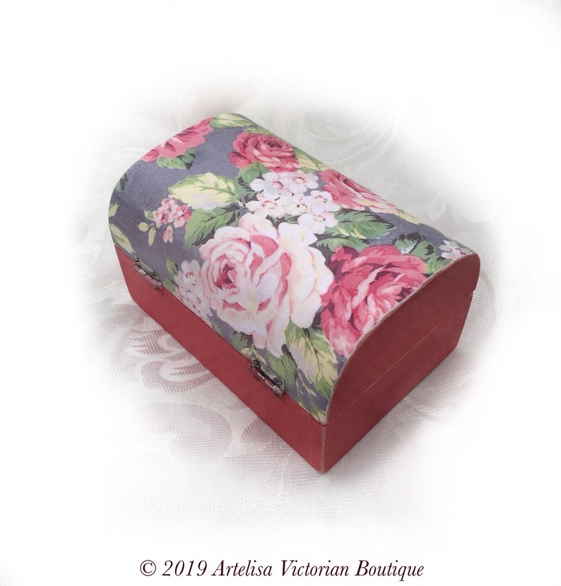 Vintage Candy Caddy Red Pink Grey Box Floral Keepsake Trunk Country Cottage Shabby Rustic Chic Rose Wood Tea Chest Storage Organiser