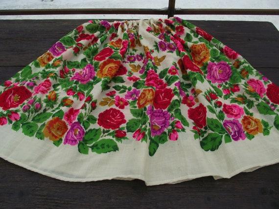 Romanian Woolen Skirt ukrainian Romanian floral wo